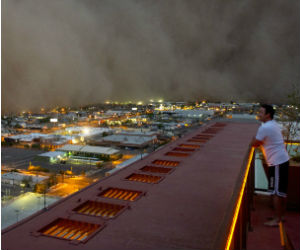 'Apocalyptic' dust storms