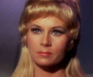 Grace Lee Whitney dies