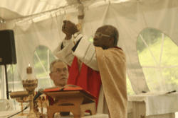 Cardinal Arinze celebrating the Holy Sacrifice of the Mass. He was the commencement speaker and recipient of an Honorary Doctorate.
