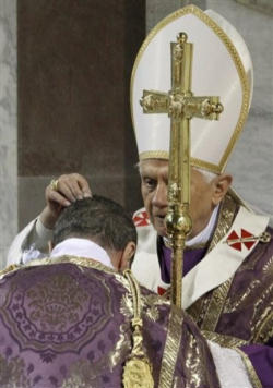 Pope Benedict XVI distributing Ashes on Ash Wednesday 2010.