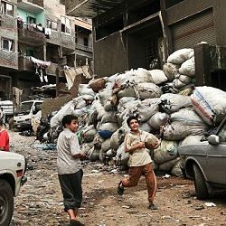 Cairo Egypt S Notorious Garbage City Nearby Luxury