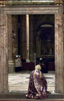 Blessed John Paul II at prayer during Lent