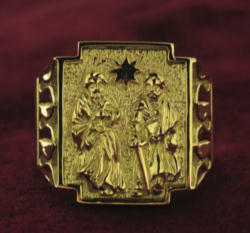 The new ring of the Cardinals features the Martyrs of the Church of Rome, Peter and Paul