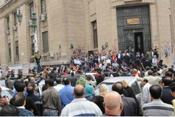 Coptic Christians demonstrate in front of the High Court in Cairo in response to the Abu Qurqas ruling