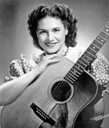 Kitty Wells was an innovator, bringing a female perspective to the male-dominated country music scene.