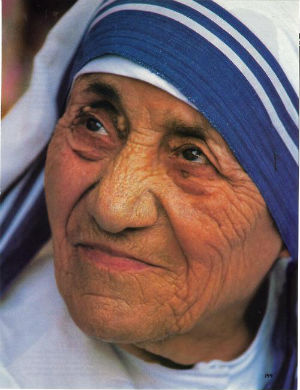 The group claims that Teresa, on her way to sainthood in the Catholic church, 'was not a friend of the poor,' but 'was a friend of poverty.'