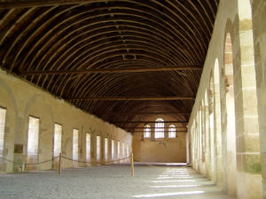 Abbey founder Bernard of Clairvaux believed that light should enter the church. He shared the Eastern Christian of Byzantine emphasis that the God is the source of all light and that one way to experience God's presence is through light.