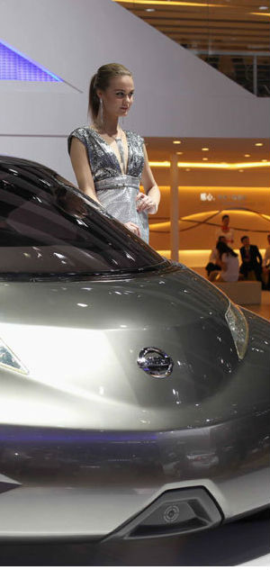 Deputy Secretary-General of the Association, Cui Dongshu said that the Guangzhou Auto Show last month helped passenger-vehicle sales surge more than 20 percent the end of November.