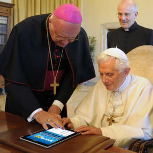 Pope Benedict XVI 'tweeting' to the faithful around the globe