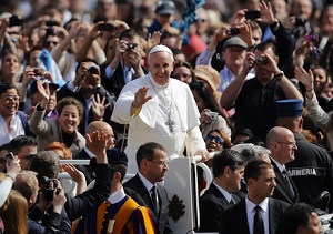 Pope Francis passing through the crowd of pilgrims who gather for his Wednesday teaching