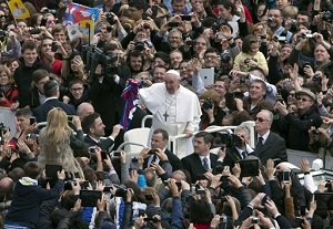 Francis greets the crowds in St Peters square
