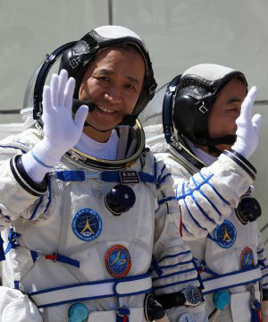 The last crewed mission last year carried its first female astronaut and was the first to make a manual docking with the space module. The crew for this mission will also include a woman, Wang Yaping, and two male astronauts, Nie Haisheng and Zhang Xiaoguang.