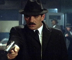 Actor Dennis Farina was a familiar face on the small screen with meaty roles in 'Crime Story' and 'Law & Order.'