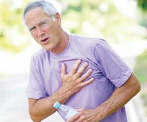 Of those with symptoms, 56 percent had chest pain, 13 percent had shortness of breath and four percent suffered dizziness, fainting or palpitations.
