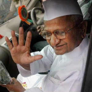 The news ended a nine-day hunger strike by anti-corruption crusader Anna Hazare. Accepting coconut water from two school children in Anna caps, his supporters cheered and key aides like General VK Singh and Kiran Bedi made speeches.
