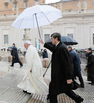 Addressing the thousands gathered in a rainy St. Peter's Square for his weekly address, the pontiff continued his catechesis on the Sacraments of Initiation, turning specifically to the Sacrament of the Eucharist.