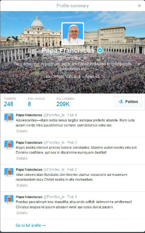 Pope Francis' Latin Twitter is rapidly catching on with young followers.
