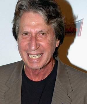 Lanky, with an infectious grin and a memorably nasal delivery, David Brenner began working in New York comedy clubs in the late '60s.