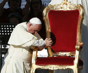 Pope Francis pleaded with Charismatic groups not to try to organize everything, or create a bureaucracy that attempts to tame the Holy Spirit.