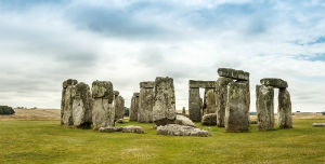 Using underground radar and 3D imaging technology, a new study has revealed that there are numerous monuments underneath the famous Stonehenge.