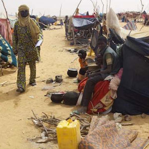 High winds and freezing weather is having its effect in hastily constructed Niger refugee camps in Algeria.