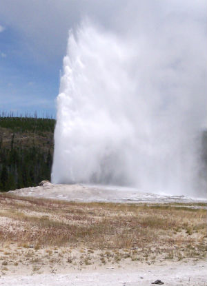 Is Yellowstone's supervolcano ready to blow? Scientists find thousands of cubic miles of magma under volcano