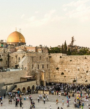 Increasing number of Jerusalem tourists report mental illness causing them to believe they are characters from the Bible