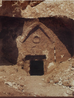 Geologist claims 'unequivocal evidence' on location of Christ's tomb - and that he was A FATHER!