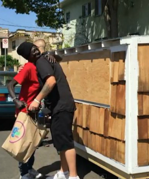 Los Angeles Samaritan provides tiny house for the homeless