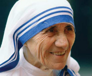 TOO SOON? Canonization of Mother Teresa next year only hypothetical, Vatican says