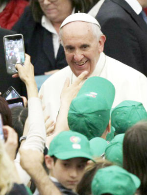 Thousands of children greet Pope Francis to begin 'Peace Factory' initiative