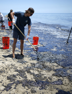 MASSIVE OIL SPILL: Santa Barbara declares state of emergency over massive oil spill in Pacific Ocean