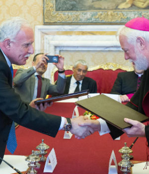 HISTORIC - Vatican signs treaty with 'State of Palestine' in hopes of promoting peace