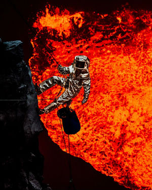 SCENES FROM THE INFERNO: Photographer braves molten lava for spectacular photos