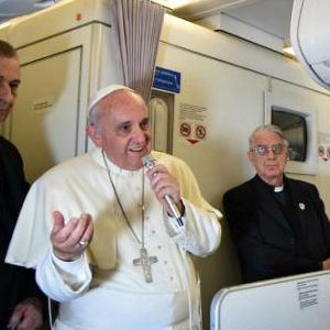 Pope Francis fields copious question on flight from Paraguay to Rome [FULL INTERVIEW]