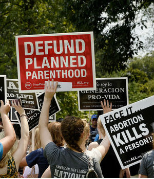 Plan to defund Planned Parenthood fails in the Senate