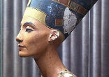 Image of Neferneferuaten Nefertiti, or Queen Nefertiti was the wife and