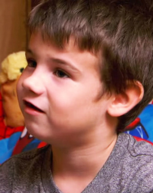 Six-year-old orphan inspires sad strangers with gifts from the heart