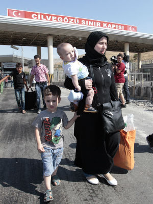 Turkey's open acceptance of Syrian refugees showing strain