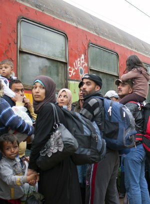 Hungary shuts down border as record number of migrants rush Europe