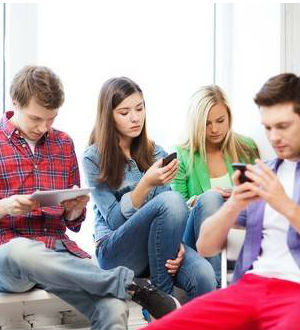 'Phubbing,' ignoring friends while talking on cell phones leads to strained relationships