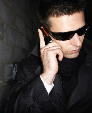 Secret Service now allowed to snoop through cell phones ... if they feel there is a threat to the president