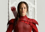 Image of Katniss Everdeen, played by Jennifer Lawrence, turns her efforts into overthrowing the oppressive government in