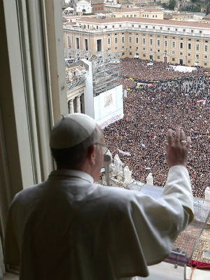 Vatican moves to protect Pope Francis as fears of ISIS attacks grow