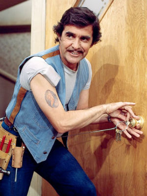 Pat Harrington Jr. who played Schneider on 'One Day at a Time' dies at 86