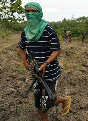 Vowing to stop ISIS, Filipino Christian militia take up arms