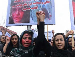 GRAPHIC VIDEO - Afghan lynch mob kills woman falsely accused of burning Koran