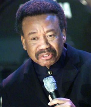 Earth, Wind & Fire founder Maurice white dies at 74