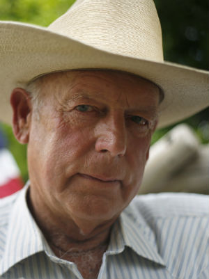 FBI arrests Cliven Bundy leading to protesters' surrender in Oregon occupation