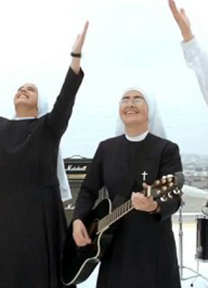 The Servants performed their song, 'Trust in God,' for the papal visit in Mexico (CEN/Siervas).